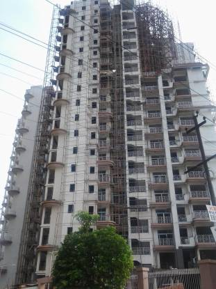 Mahagun Maple Construction Status