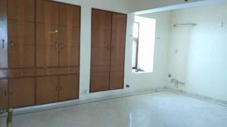 1400 sqft, 3 bhk Apartment in CGHS Developer Saraswati Apartment Patparganj, Delhi at Rs. 36000
