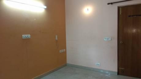 920 sqft, 2 bhk Apartment in Builder jai Laxmi Apartment Patparganj, Delhi at Rs. 18000