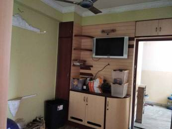 750 sqft, 2 bhk Apartment in Builder Project Picnic Garden, Kolkata at Rs. 13000