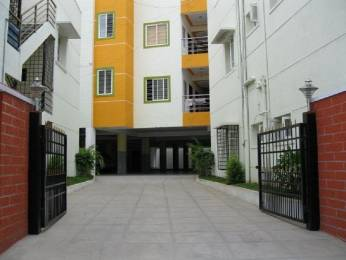 1500 sqft, 3 bhk Apartment in Builder Project Tagore Garden, Delhi at Rs. 25000