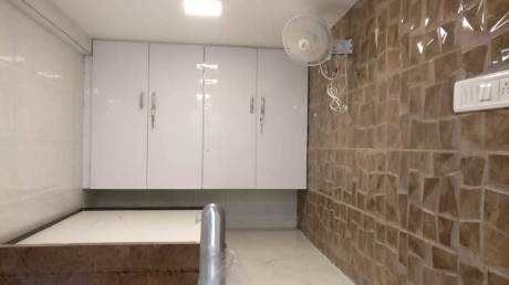 280 sqft, 1 bhk Apartment in Builder tardeo and babulnath Tardeo, Mumbai at Rs. 42000