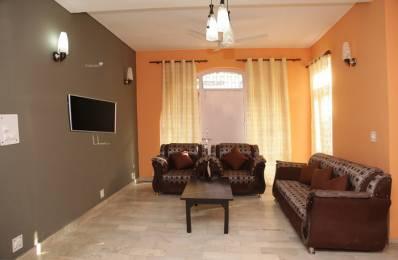 600 sqft, 1 bhk Apartment in Builder Project Shakarpur Khas, Delhi at Rs. 11000
