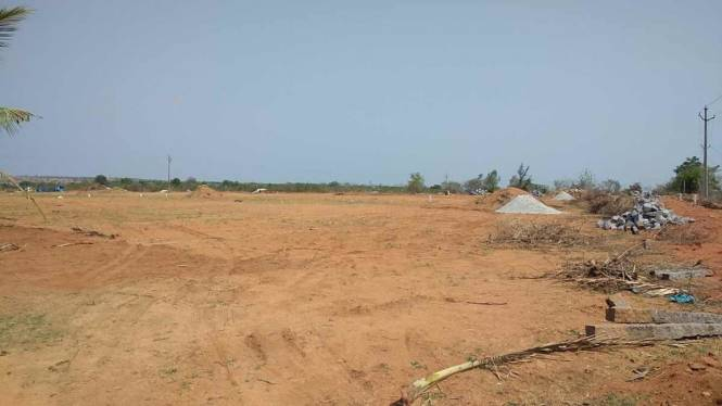 1962 sqft, Plot in Builder akshita golden breeze phase 2 Maheshwaram, Hyderabad at Rs. 11.7720 Lacs