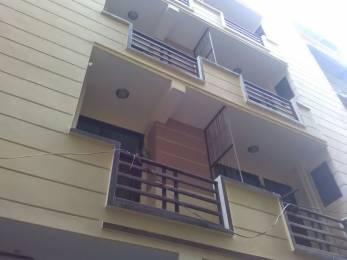 800 sqft, 2 bhk Apartment in Builder krishna vatika Gaur City 2, Ghaziabad at Rs. 17.9900 Lacs