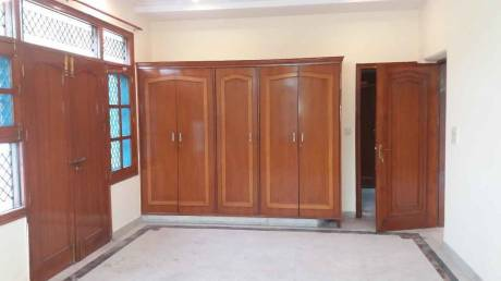 3000 sqft, 4 bhk Villa in Builder Project Sector 39, Noida at Rs. 40000