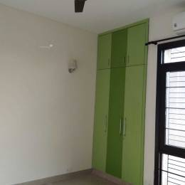 1500 sqft, 3 bhk Apartment in Unitech South City II Sector 49, Gurgaon at Rs. 29000