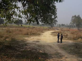 1500 sqft, Plot in Builder hitech estate Bahraich Lucknow Road, Lucknow at Rs. 3.7500 Lacs