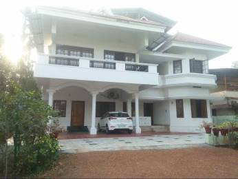 2500 sqft, 4 bhk IndependentHouse in Builder Project Vazhakkala, Kochi at Rs. 50000