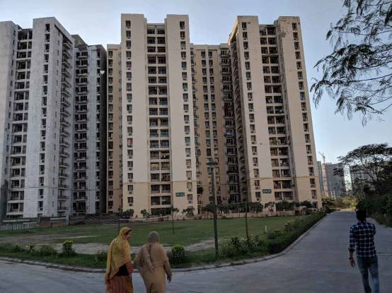 880 sqft, 3 bhk Apartment in Jaypee Kosmos Sector 134, Noida at Rs. 46.0000 Lacs