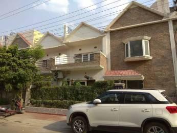 2100 sqft, 3 bhk Villa in Omaxe Green Valley Villa Sector 42, Faridabad at Rs. 2.1500 Cr