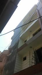 900 sqft, 3 bhk BuilderFloor in Builder Project Phase 1 Om Vihar Road, Delhi at Rs. 11000