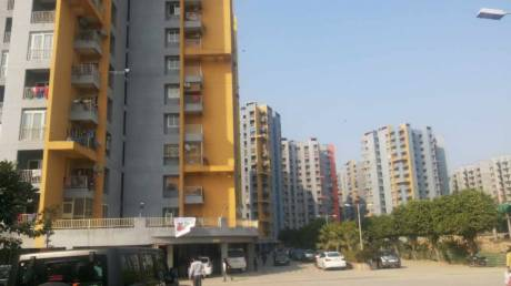 1550 sqft, 3 bhk Apartment in BCC Bharat City Indraprastha Yojna, Ghaziabad at Rs. 10000