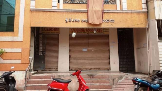 900 sqft, 3 bhk IndependentHouse in Builder vasu Kaleswarao Market Road, Vijayawada at Rs. 18000