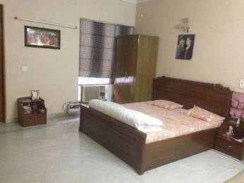 620 sqft, 1 bhk BuilderFloor in Builder Project DLF Phase 4, Gurgaon at Rs. 15000