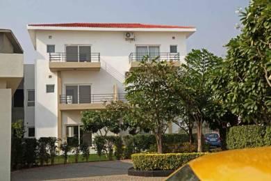 1600 sqft, 2 bhk Villa in Paramount Golfforeste Villas Zeta, Greater Noida at Rs. 9500