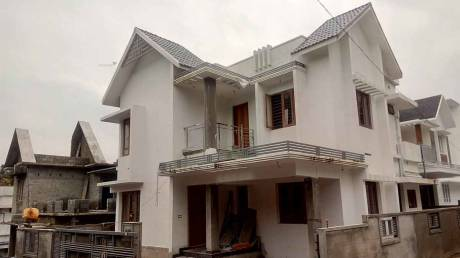 1700 sqft, 4 bhk IndependentHouse in Builder Project Kakkanad, Kochi at Rs. 70.0000 Lacs