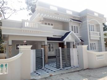 2450 sqft, 4 bhk IndependentHouse in Builder Project Perumbavoor, Kochi at Rs. 80.0000 Lacs