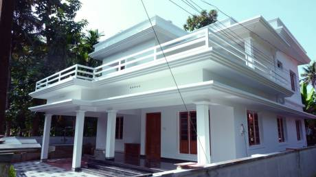 2400 sqft, 4 bhk IndependentHouse in Builder Project Perumbavoor, Kochi at Rs. 84.0000 Lacs
