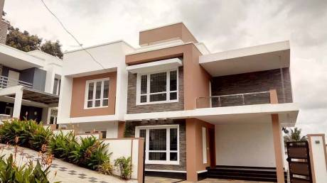 2200 sqft, 4 bhk IndependentHouse in Builder Project Kakkanad, Kochi at Rs. 1.2500 Cr