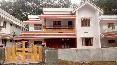 2430 sqft, 5 bhk IndependentHouse in Builder Project Perumbavoor, Kochi at Rs. 68.5000 Lacs
