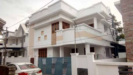 2400 sqft, 4 bhk IndependentHouse in Builder Project Aluva, Kochi at Rs. 79.0000 Lacs
