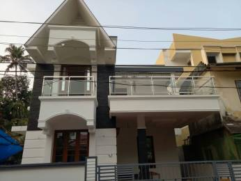 1700 sqft, 4 bhk IndependentHouse in Builder Project Maradu, Kochi at Rs. 75.0000 Lacs