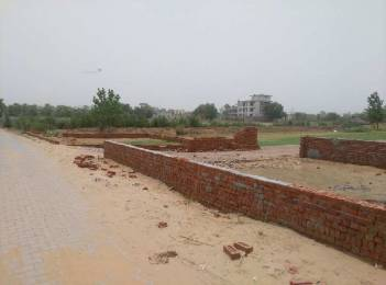 2700 sqft, Plot in Builder Project DLF Phase 4, Gurgaon at Rs. 42.0000 Lacs