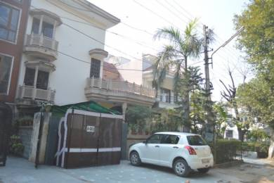 900 sqft, 1 bhk BuilderFloor in Builder Project Sector 10A, Gurgaon at Rs. 10000