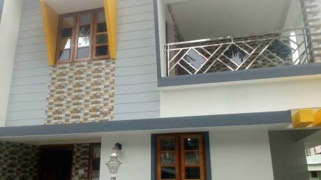 1400 sqft, 3 bhk IndependentHouse in Builder Project Ulloor Akkulam Road, Trivandrum at Rs. 15000