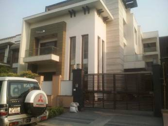3000 sqft, 3 bhk Villa in Builder Project Sector 40, Noida at Rs. 35000