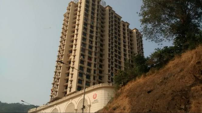 450 sqft, 1 bhk Apartment in Mayfair Hillcrest Vikhroli, Mumbai at Rs. 25000