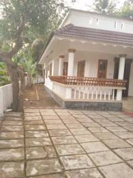 1800 sqft, 3 bhk IndependentHouse in Builder Project Kumaranalloor, Kottayam at Rs. 13000