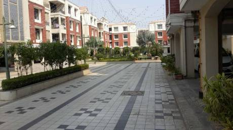 2750 sqft, 3 bhk Apartment in Shaligram Flora Thaltej, Ahmedabad at Rs. 1.7500 Cr