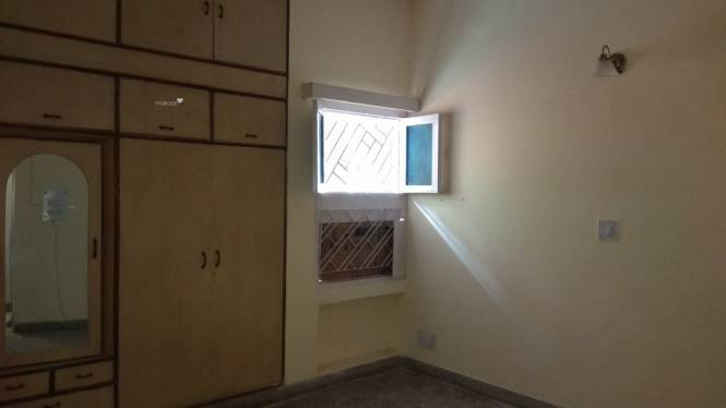 750 sqft, 1 bhk Apartment in Builder maitri Apartment Patparganj i p extension patparganj, Delhi at Rs. 15000
