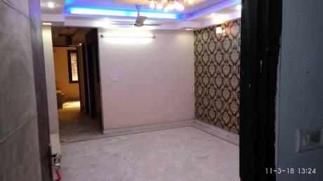 1000 sqft, 4 bhk BuilderFloor in Builder Project Mahavir Enclave, Delhi at Rs. 68.0000 Lacs