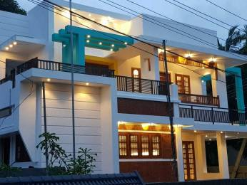 2614 sqft, 4 bhk IndependentHouse in Builder Project Edappally, Kochi at Rs. 2.0000 Cr