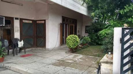 3240 sqft, 4 bhk IndependentHouse in Builder Project Shastri Nagar, Ghaziabad at Rs. 2.9000 Cr