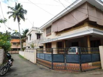 1500 sqft, 2 bhk IndependentHouse in Builder Project Sasthamangalam, Trivandrum at Rs. 18000