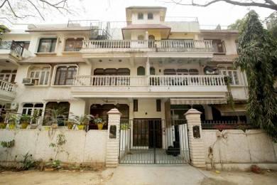 2242 sqft, 3 bhk BuilderFloor in Eros Garden Villas Sector 39, Faridabad at Rs. 28000