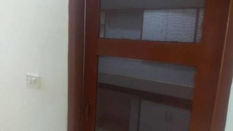 900 sqft, 2 bhk Apartment in Builder Project Sukhdev Vihar, Delhi at Rs. 95.0000 Lacs