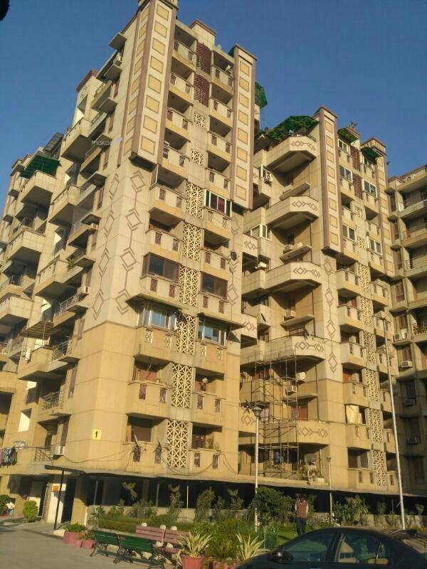 1950 sq ft 3BHK 3BHK+3T (1,950 sq ft) + Servant Room Property By Property Space In Jhelum Apartments, Dwarka New Delhi 110075