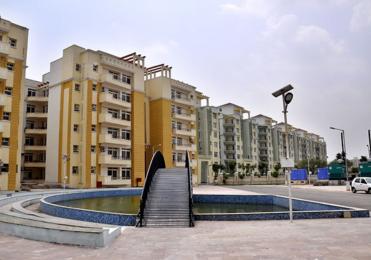 650 sqft, 1 bhk Apartment in Pearls Nirmal Chhaya Towers VIP Rd, Zirakpur at Rs. 11000