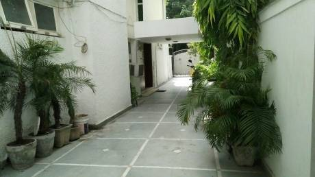 300 sqft, 1 bhk BuilderFloor in Builder Project Vasant Vihar, Delhi at Rs. 35000