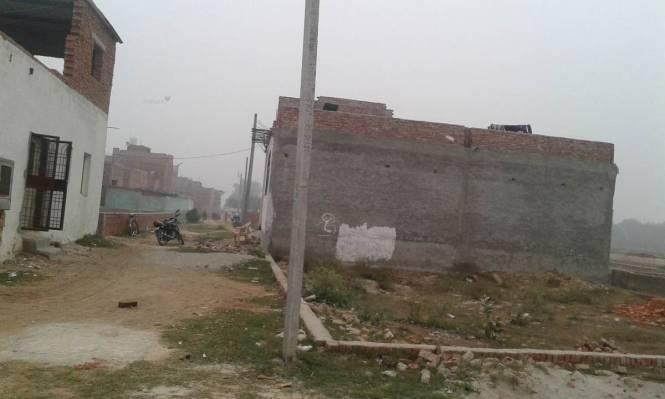 1800 sqft, Plot in Pratishtha Bhumi Greens Sector 122, Noida at Rs. 31.0000 Lacs