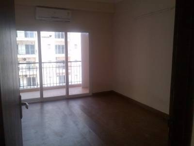 950 sqft, 2 bhk Apartment in Gardenia Golf City Sector 75, Noida at Rs. 12000