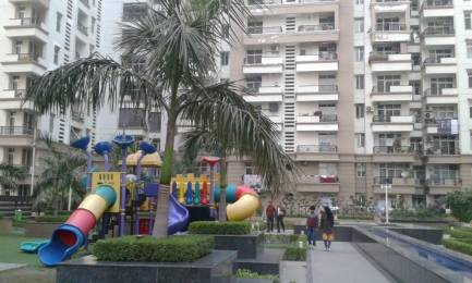 1470 sqft, 3 bhk Apartment in Ramprastha Pearl Court Sector 7 Vaishali, Ghaziabad at Rs. 19000