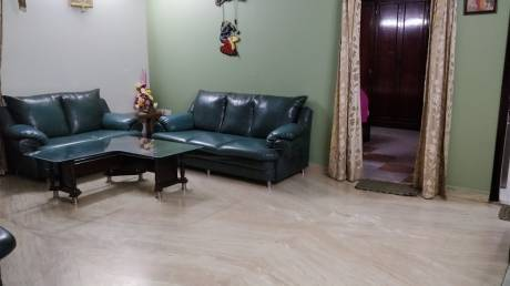 1500 sqft, 4 bhk Apartment in Builder supreme enclave Mayur Vihar I, Delhi at Rs. 45000