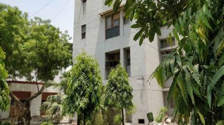 1250 sqft, 2 bhk Apartment in Builder East End Apartment Mayur Vihar I, Delhi at Rs. 32000