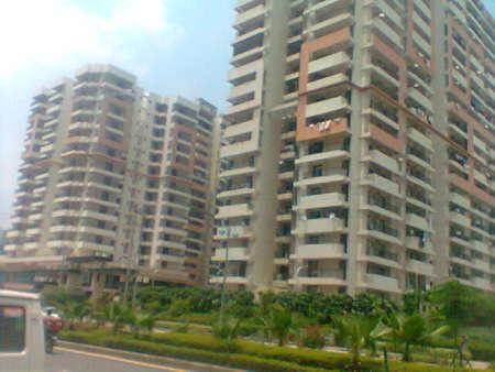 1050 sqft, 2 bhk Apartment in Gaursons Gaur Global Village Crossing Republik, Ghaziabad at Rs. 40.0000 Lacs